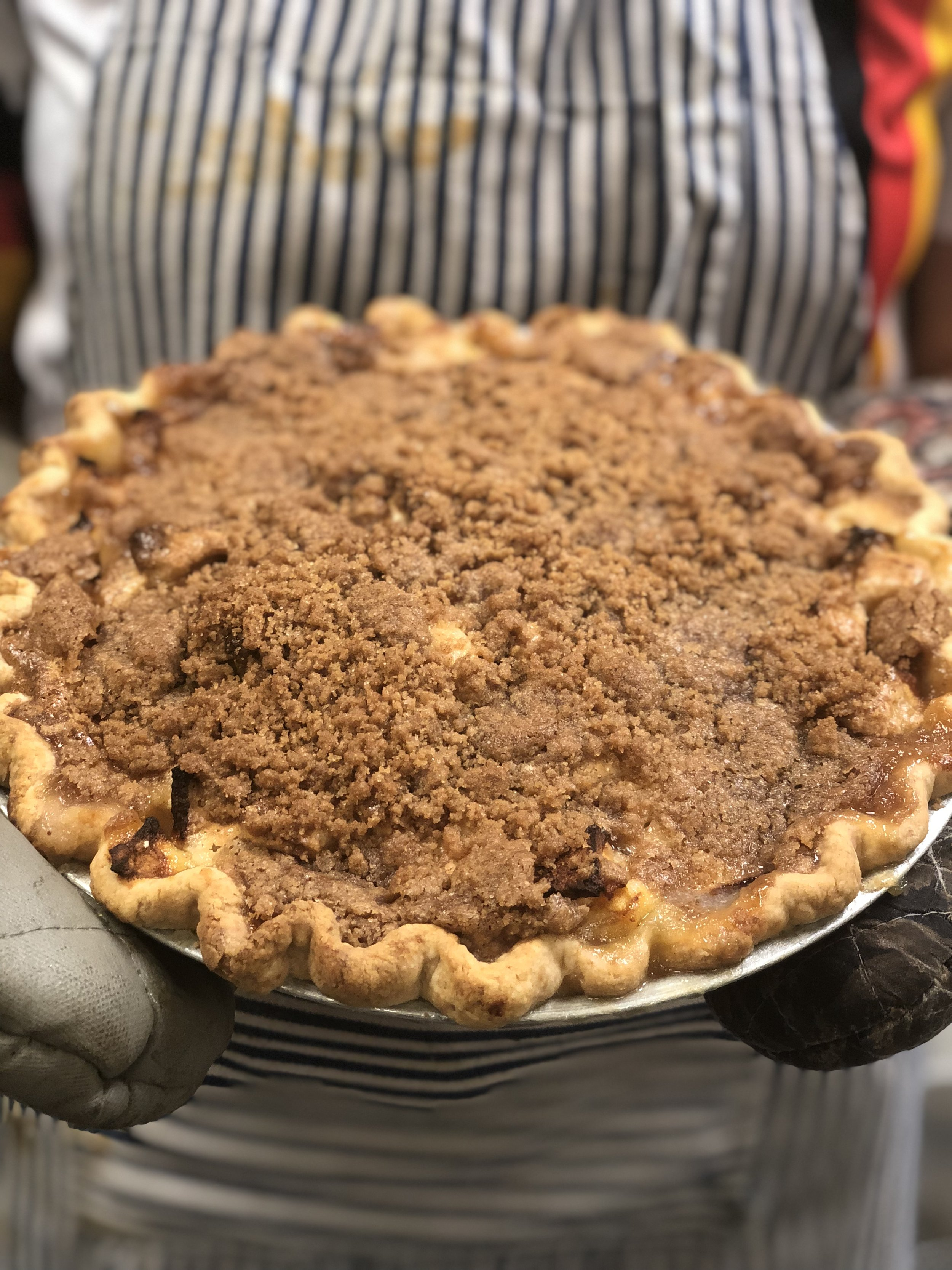 - Once the top of the pie is completely covered with the topping, turn the oven temperature up to 350 and bake for another 20 minutes.