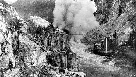 Clearing Hell's Gate Rockslide, Fraser River ca. 1916, Vancouver Public Library