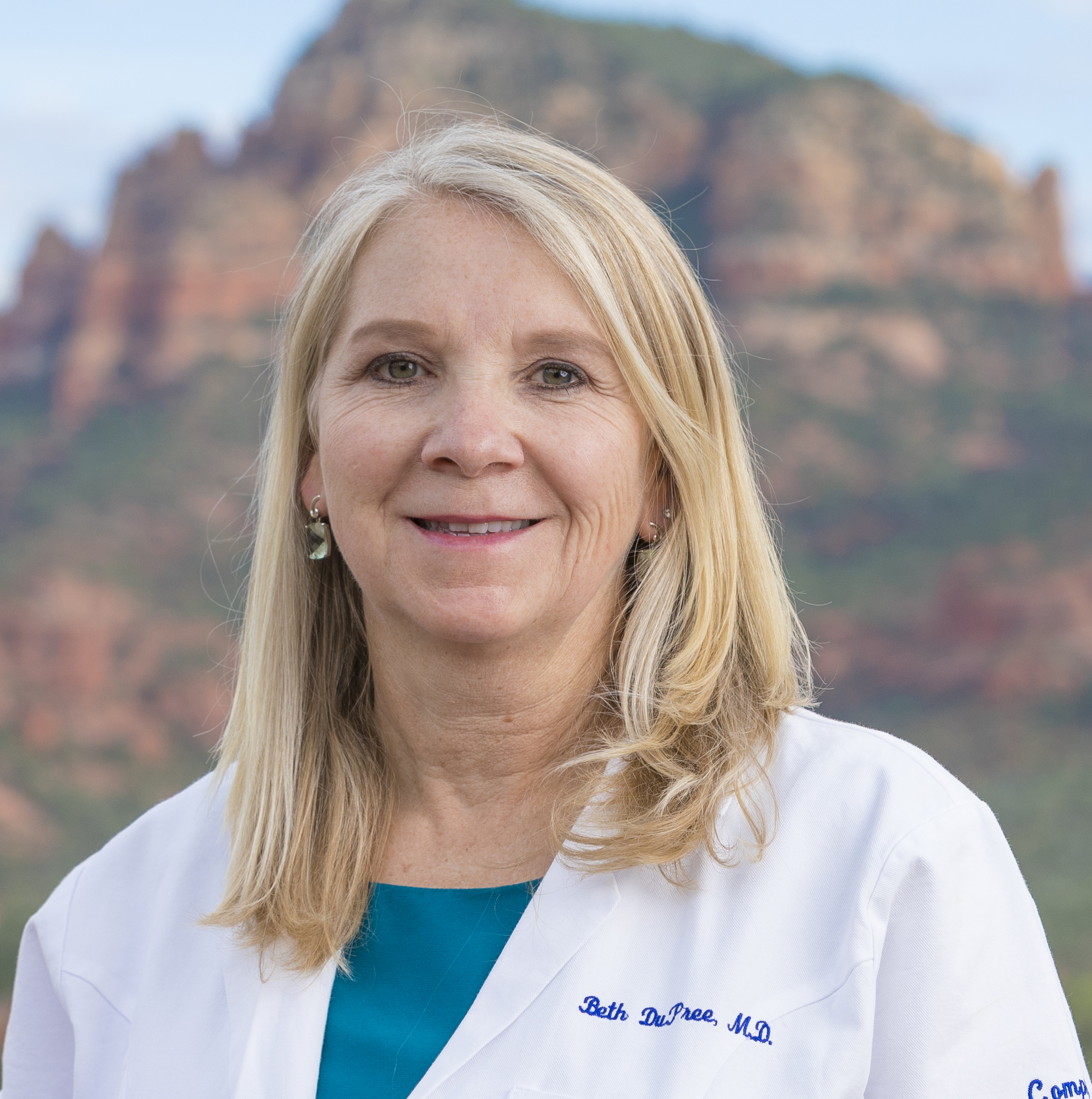 BBD white coat twin buttes cropped.jpg