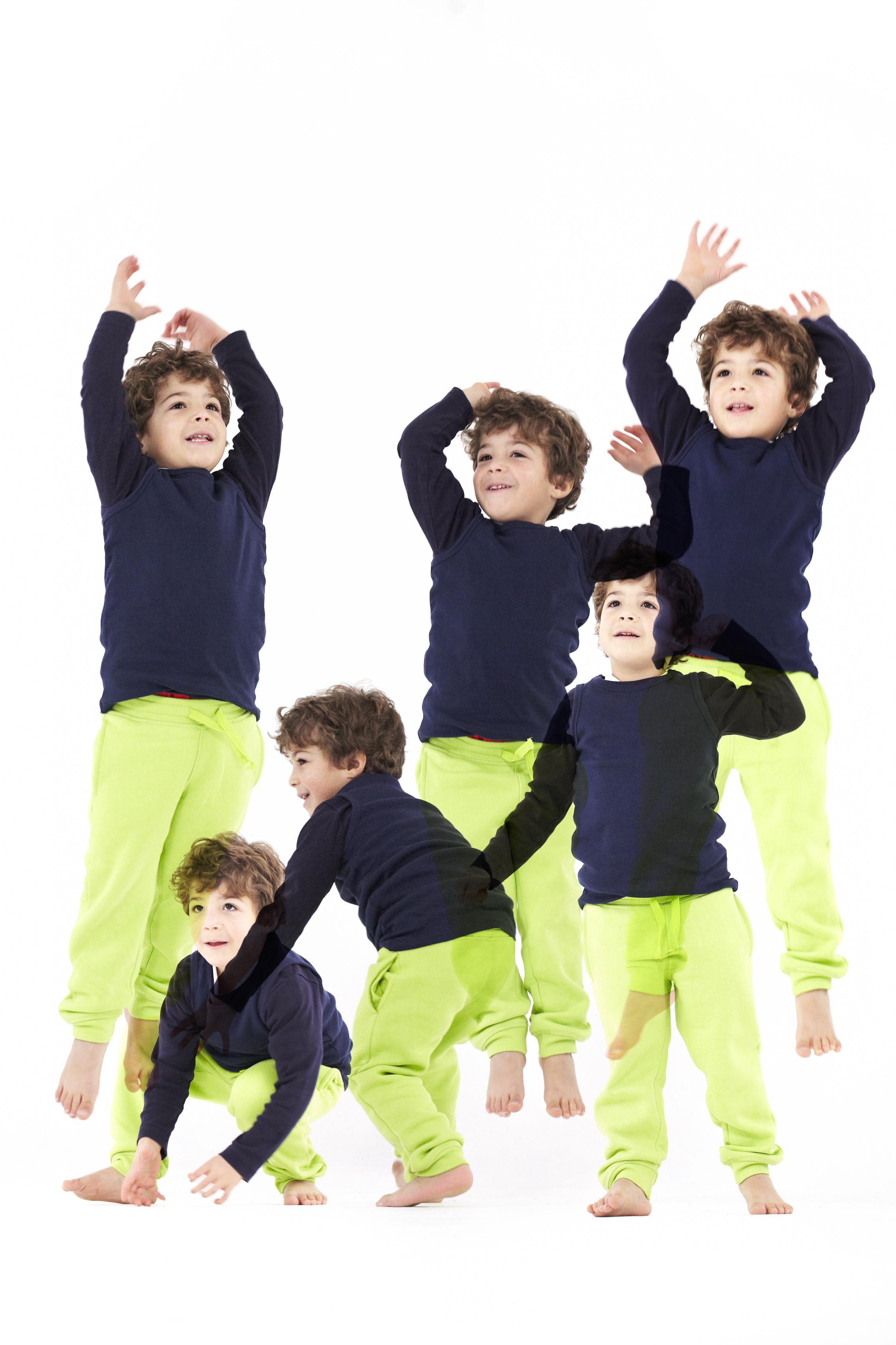 kids_overlap_03.jpg