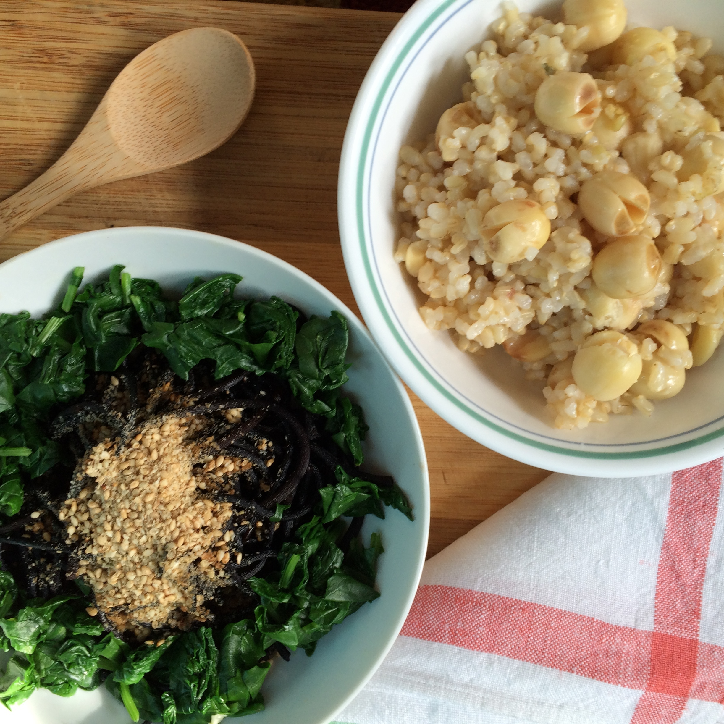 Hijiki Sea Vegetable Salad with Kale and Brown Rice with Lotus Seeds