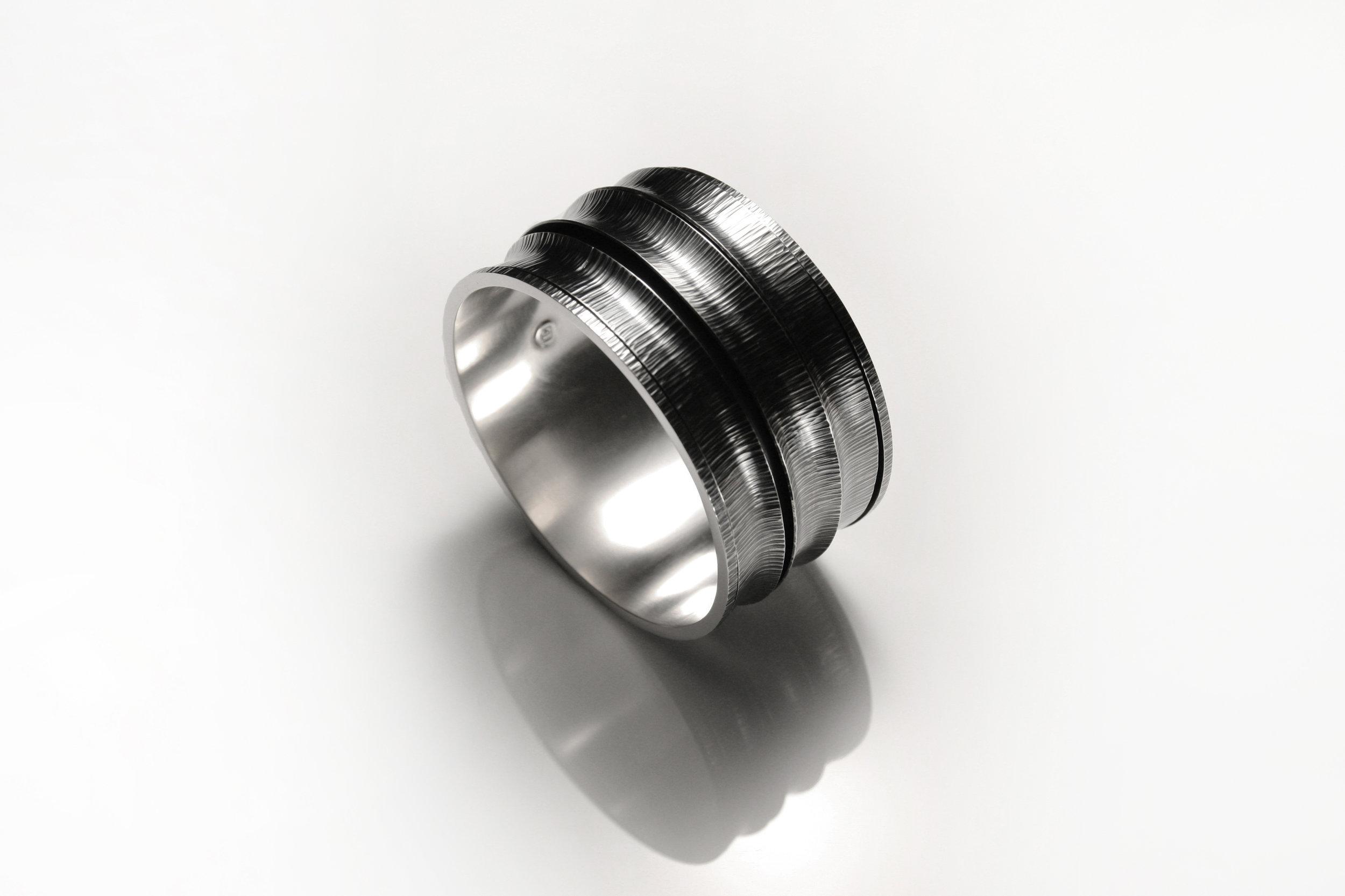 large_revolving_bracelet_2_lighter.jpg