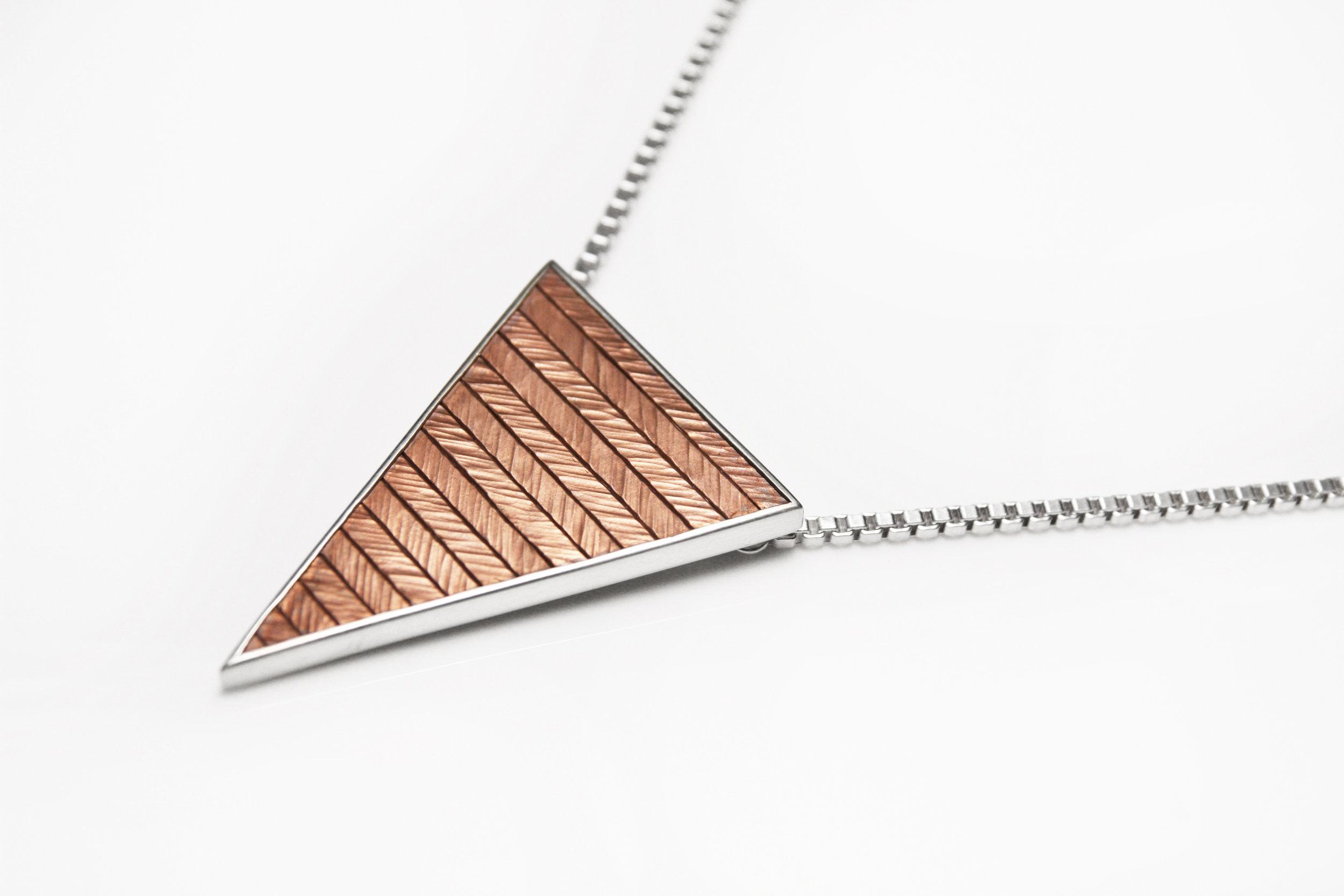 herringbone_triangle_medium_1_light.jpg