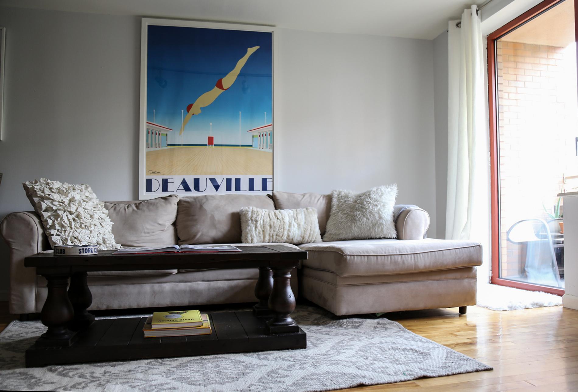 1bedroom-livingroom1.jpg