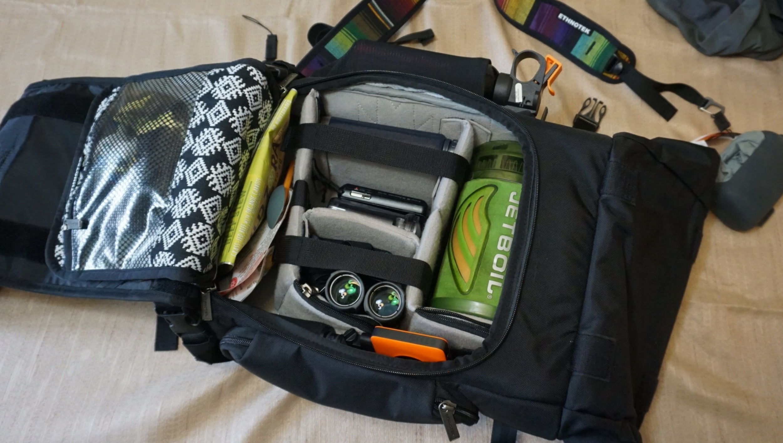 So many pockets! I easily fit everything I needed in here for a day hike photo shoot.