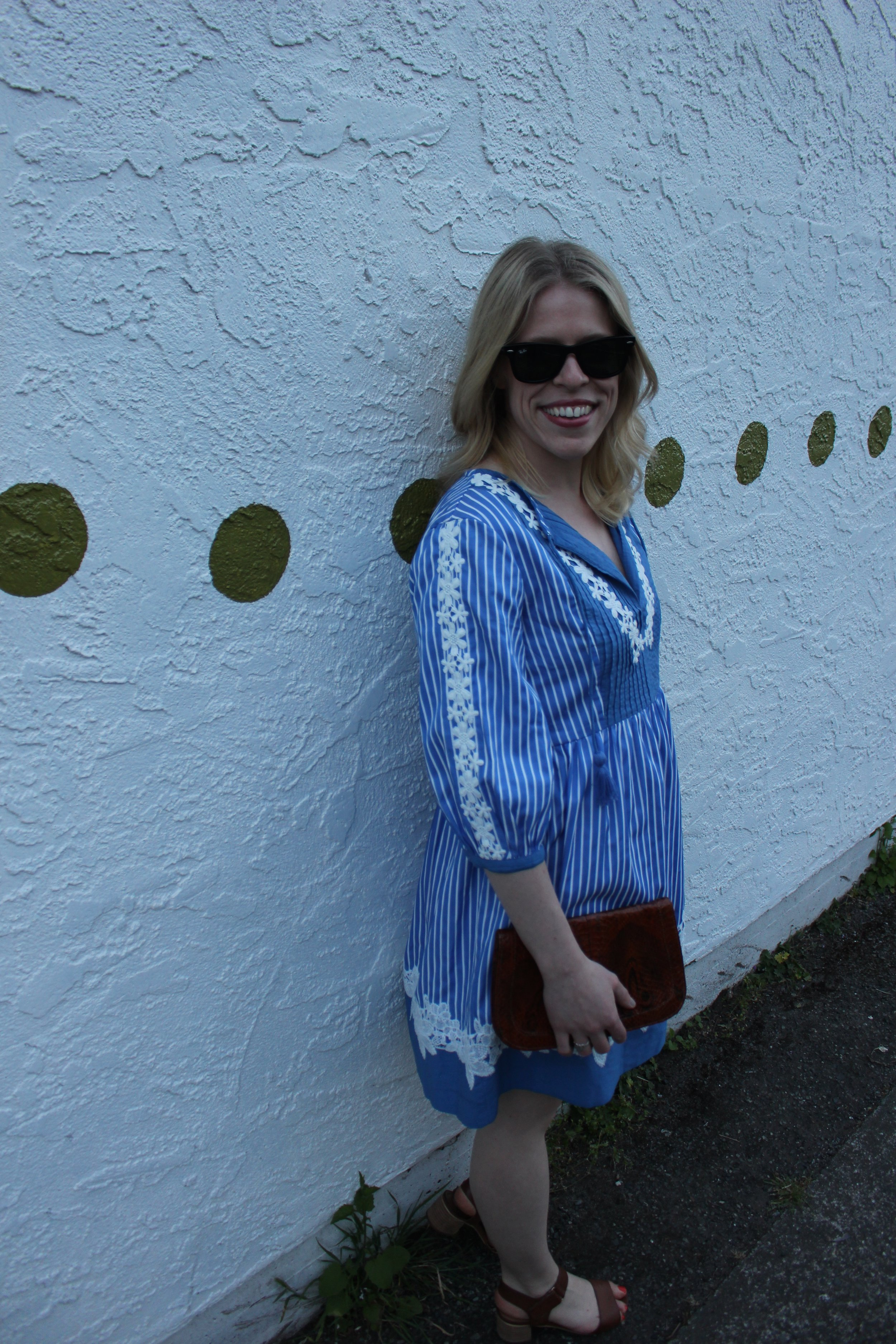 Topshop    Striped Dress, Vintage Clutch,    Steve Madden    Block Heel Sandals,    Ray Ban    Sunglasses