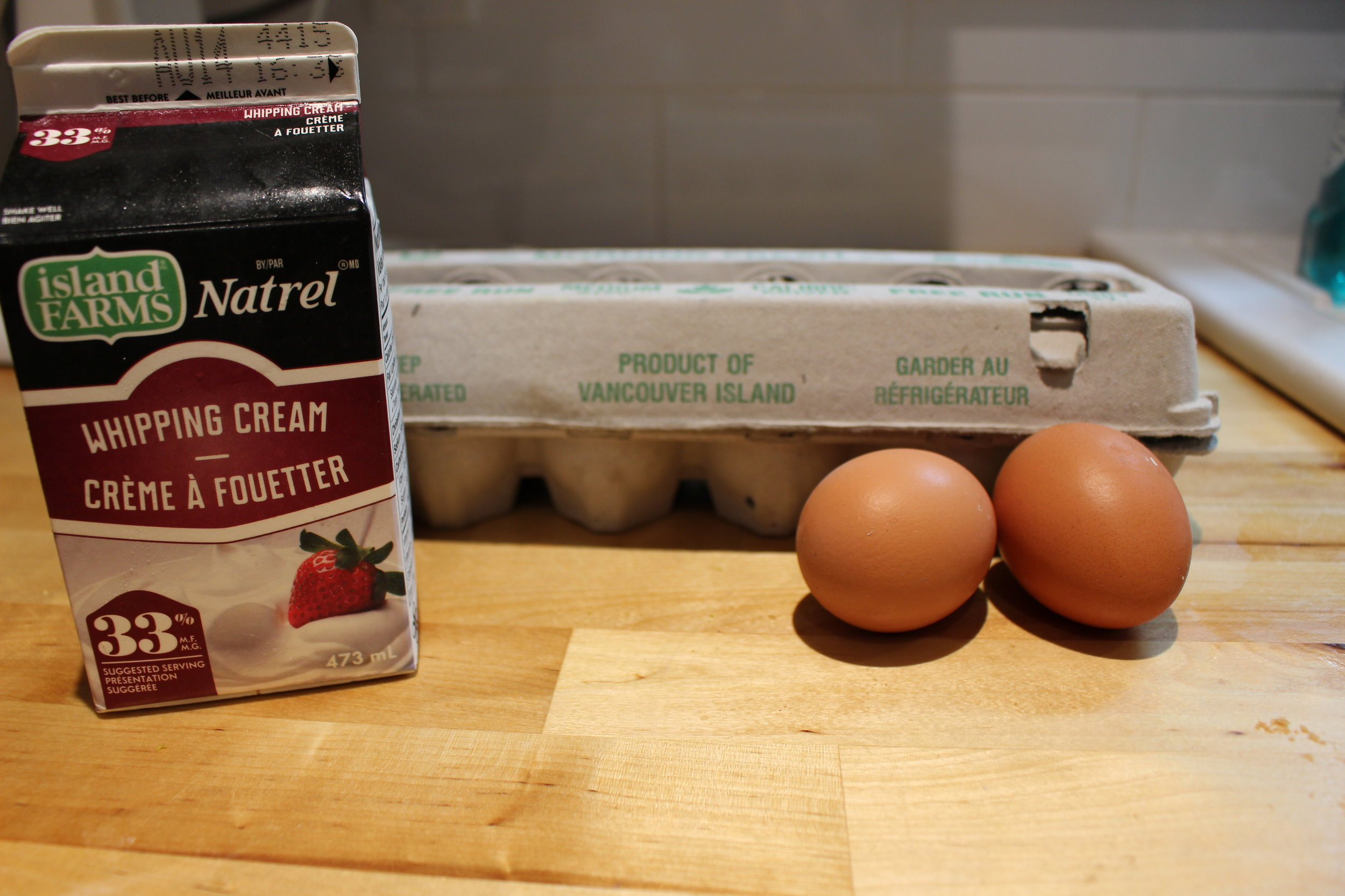 Cream and eggs for the sauce