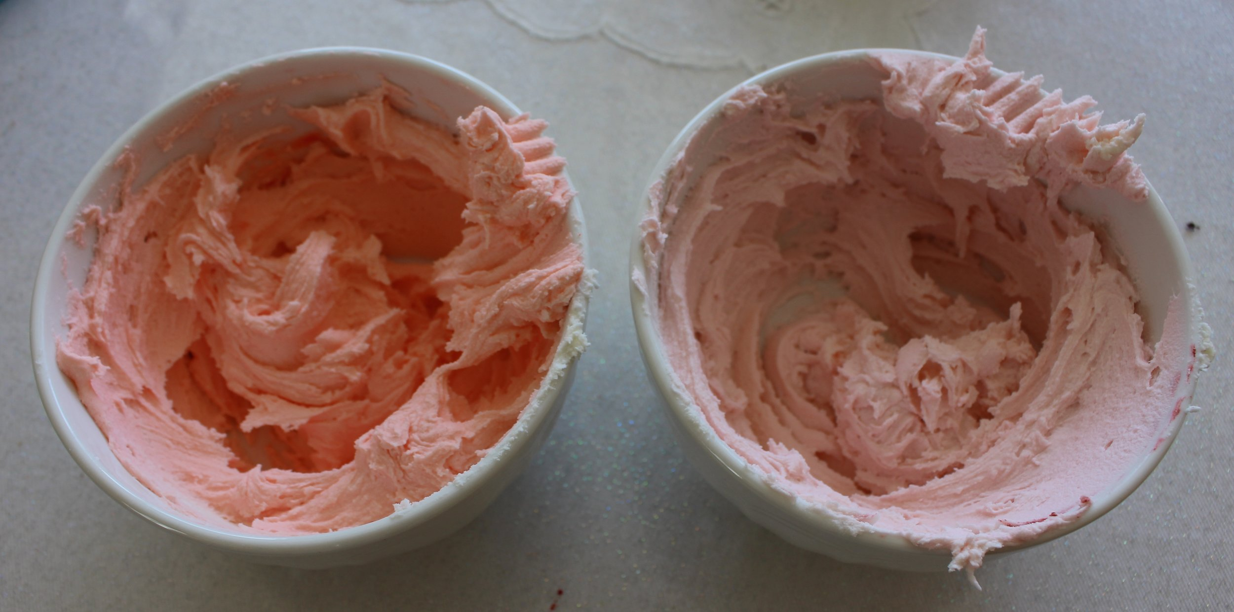 I love the pastel effect this food colouring gives the icing