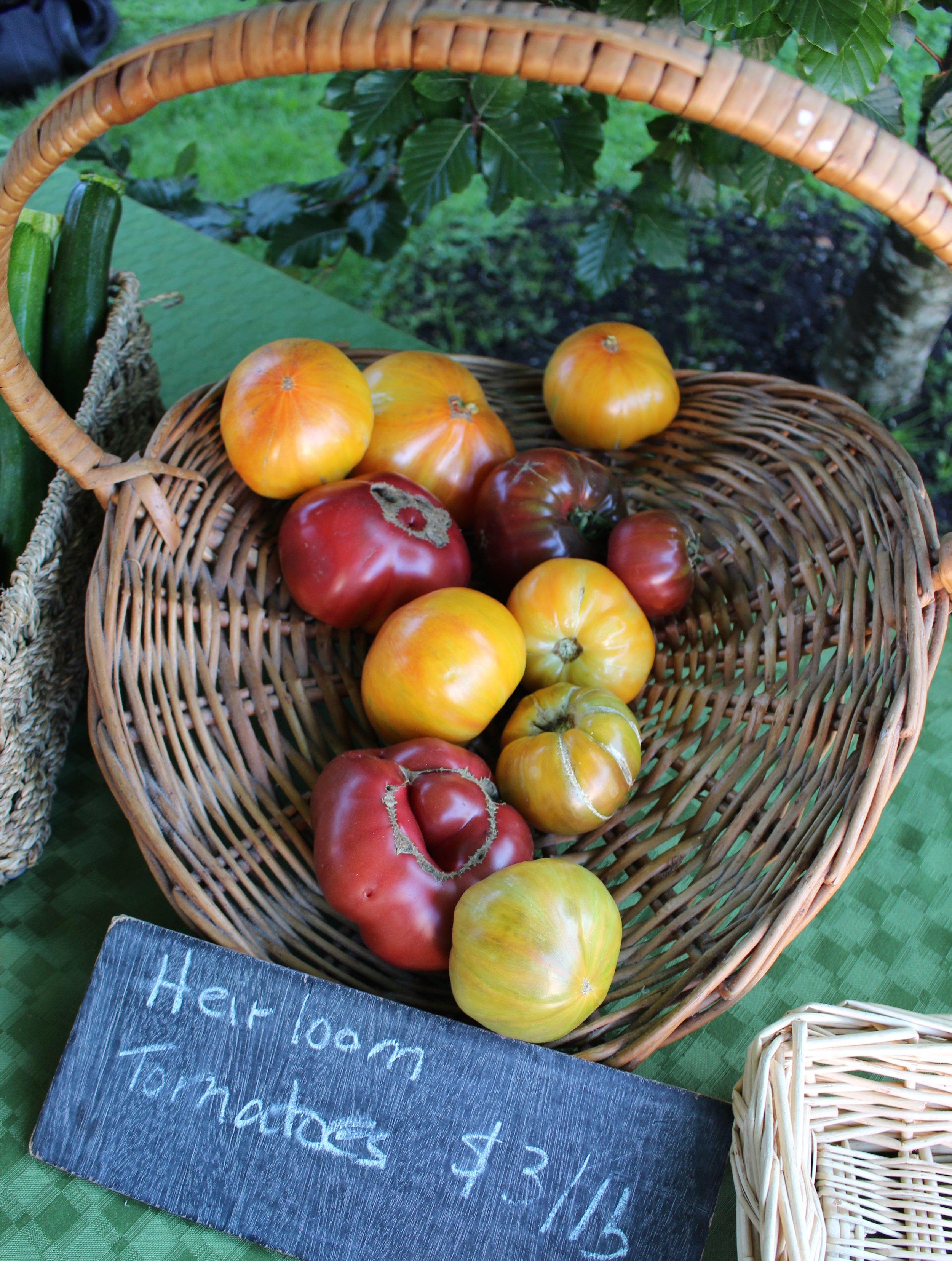 Beautiful heirloom tomatoes, can't wait to get some from my dad in Victoria next weekend