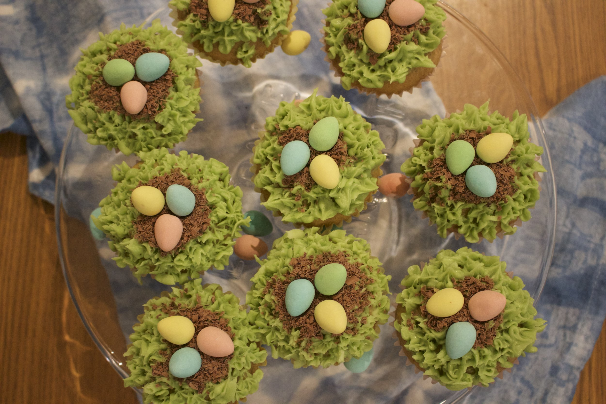 Nest easter egg cupcakes