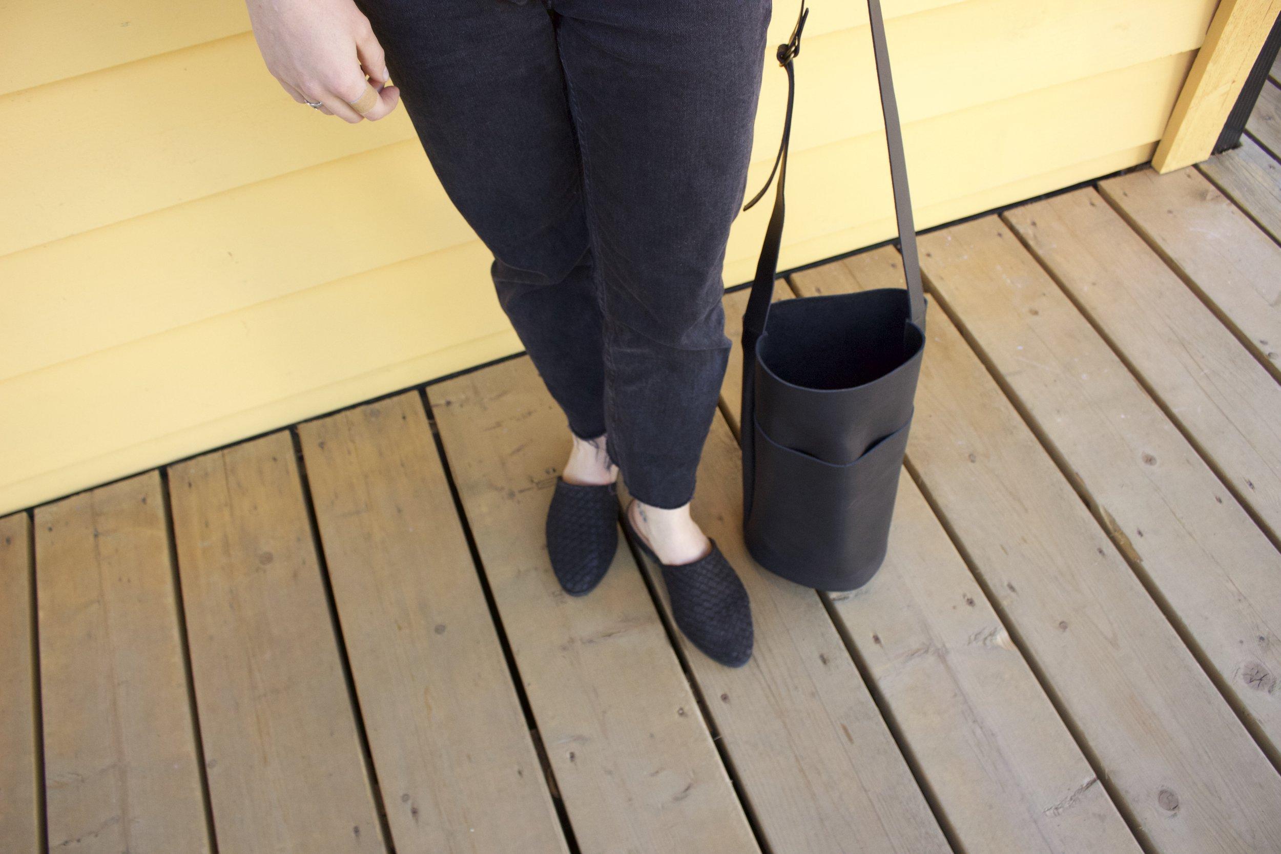 Details:   Marks & Spencer   Slides,   Market Canvas   Leather Bag