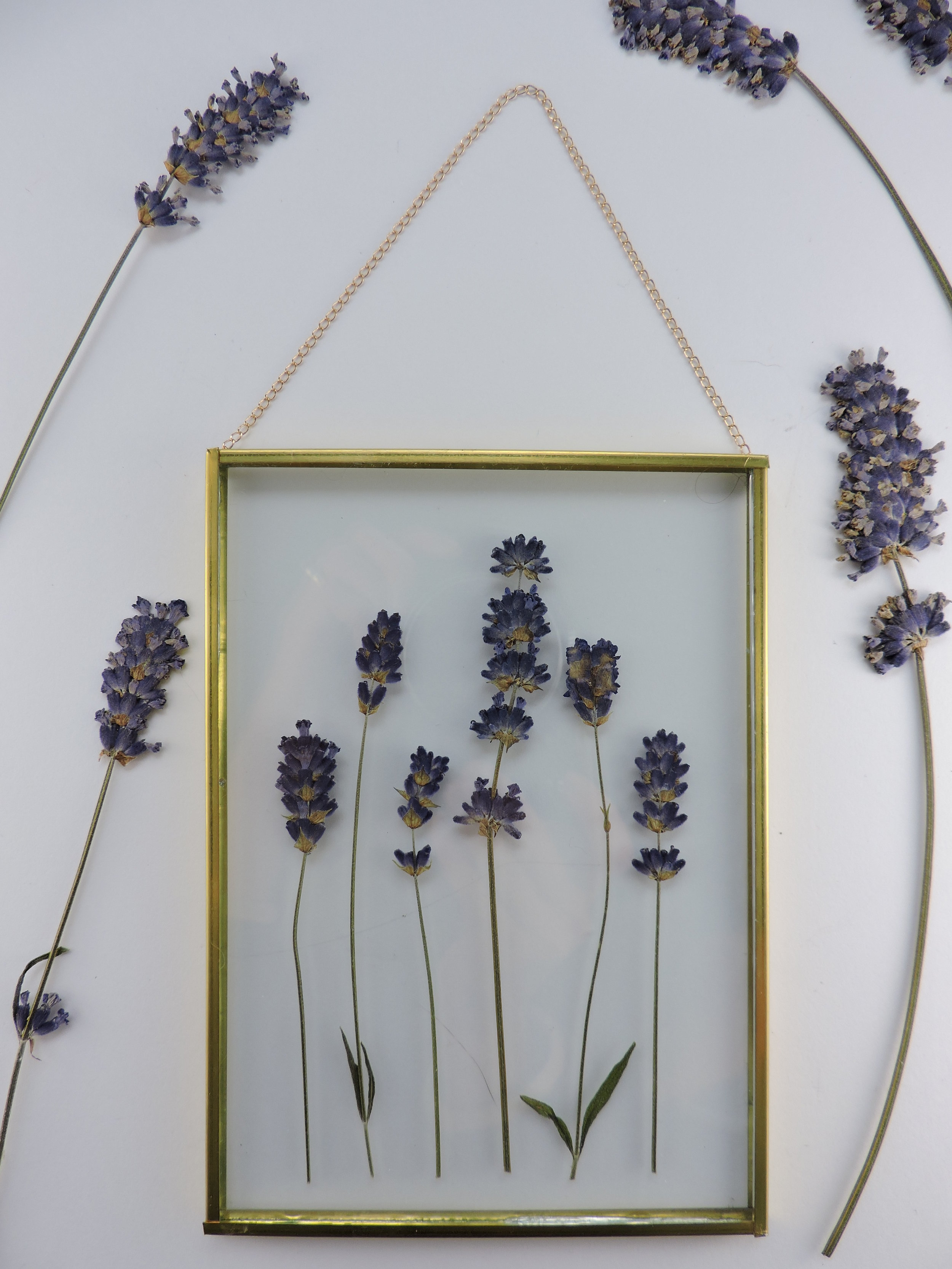 I love the simplicity of this piece with dried lavender