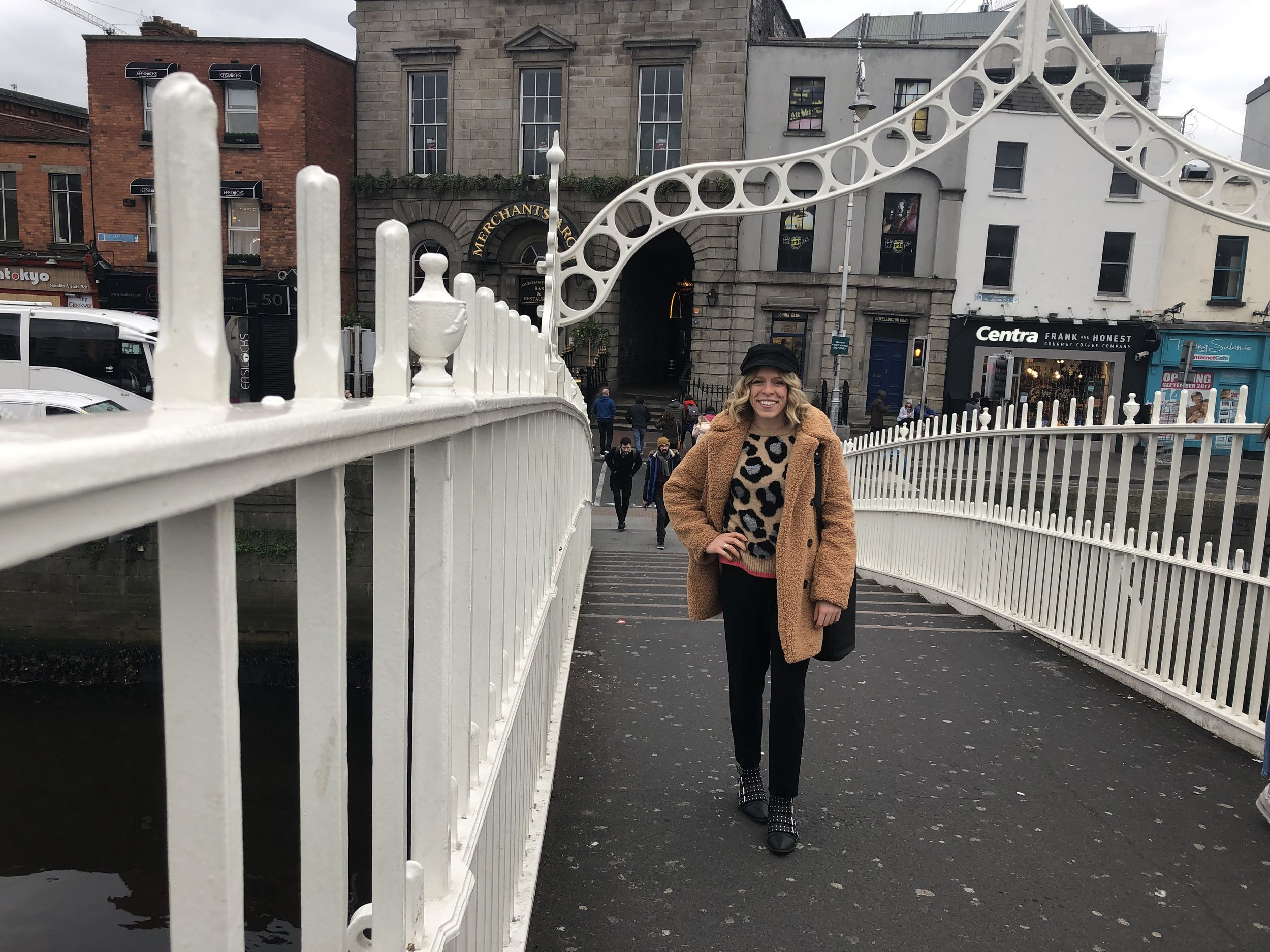 Wearing    Topshop    Teddy Coat,    Marks & Spencer    Sweater,    Aritzia    Trousers,    Sam Edelman    Booties,    Free People    Hat,    Market Canvas Leather    Bag
