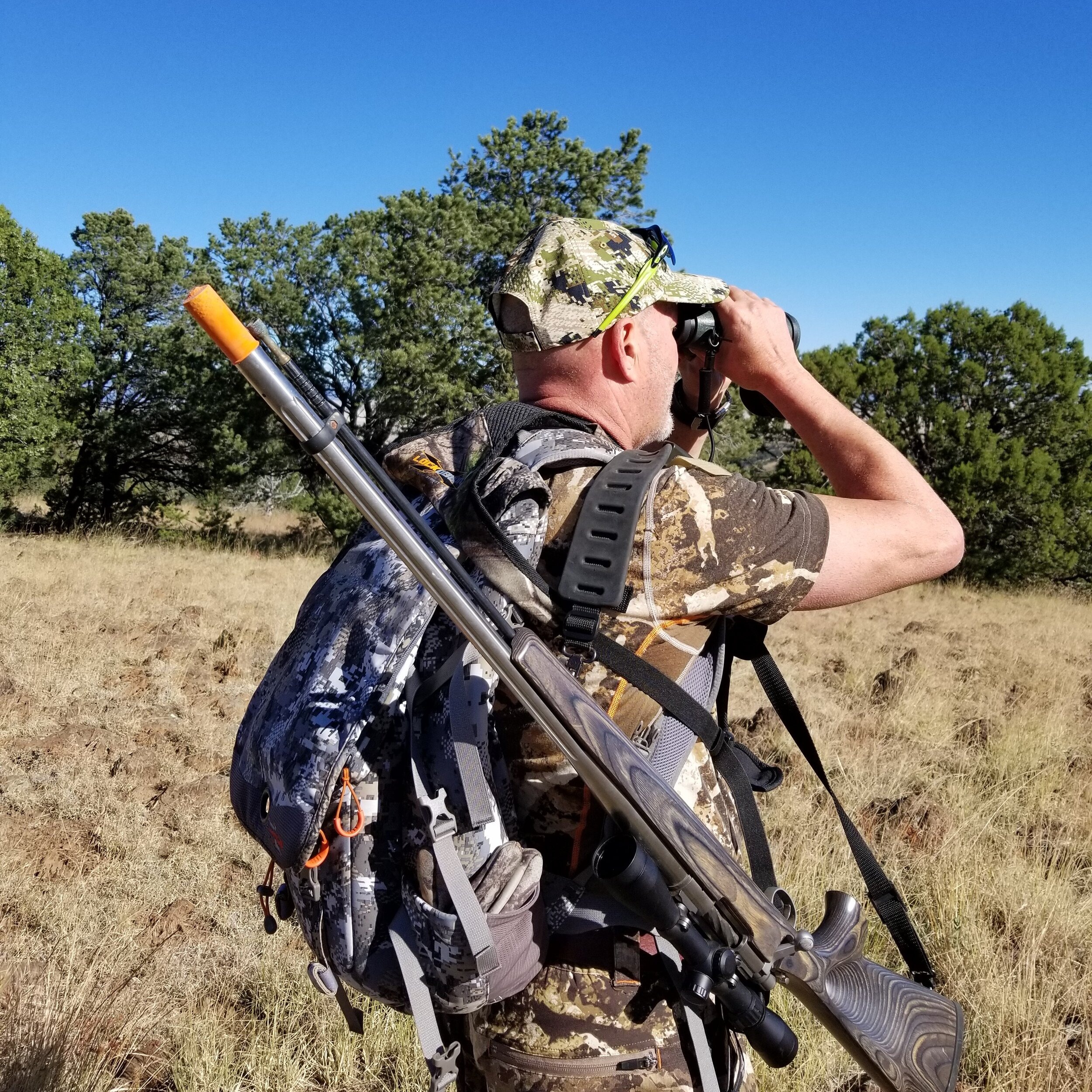 Randy Milligan muzzle loader with muzzle cover sq.jpg