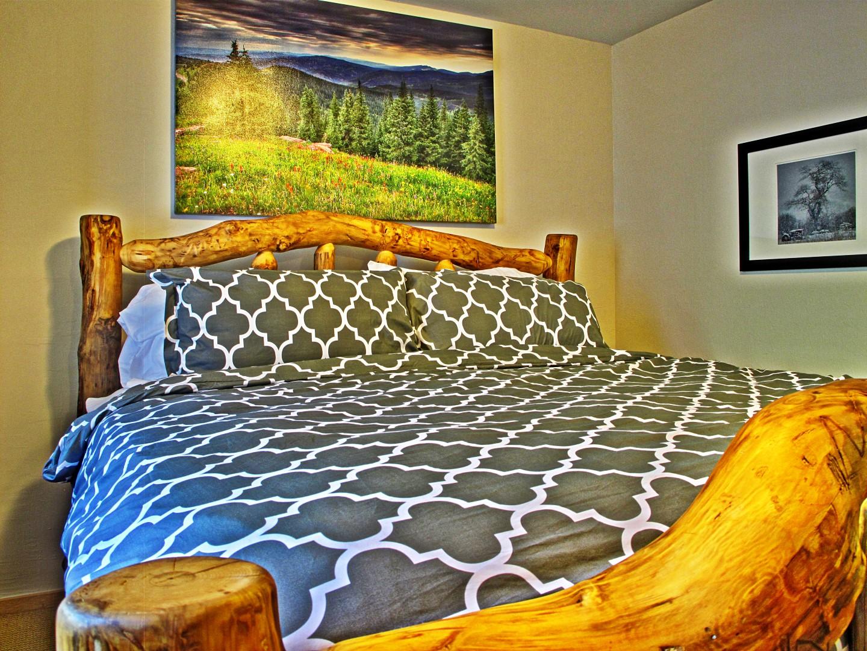 bed2 (Large).jpg