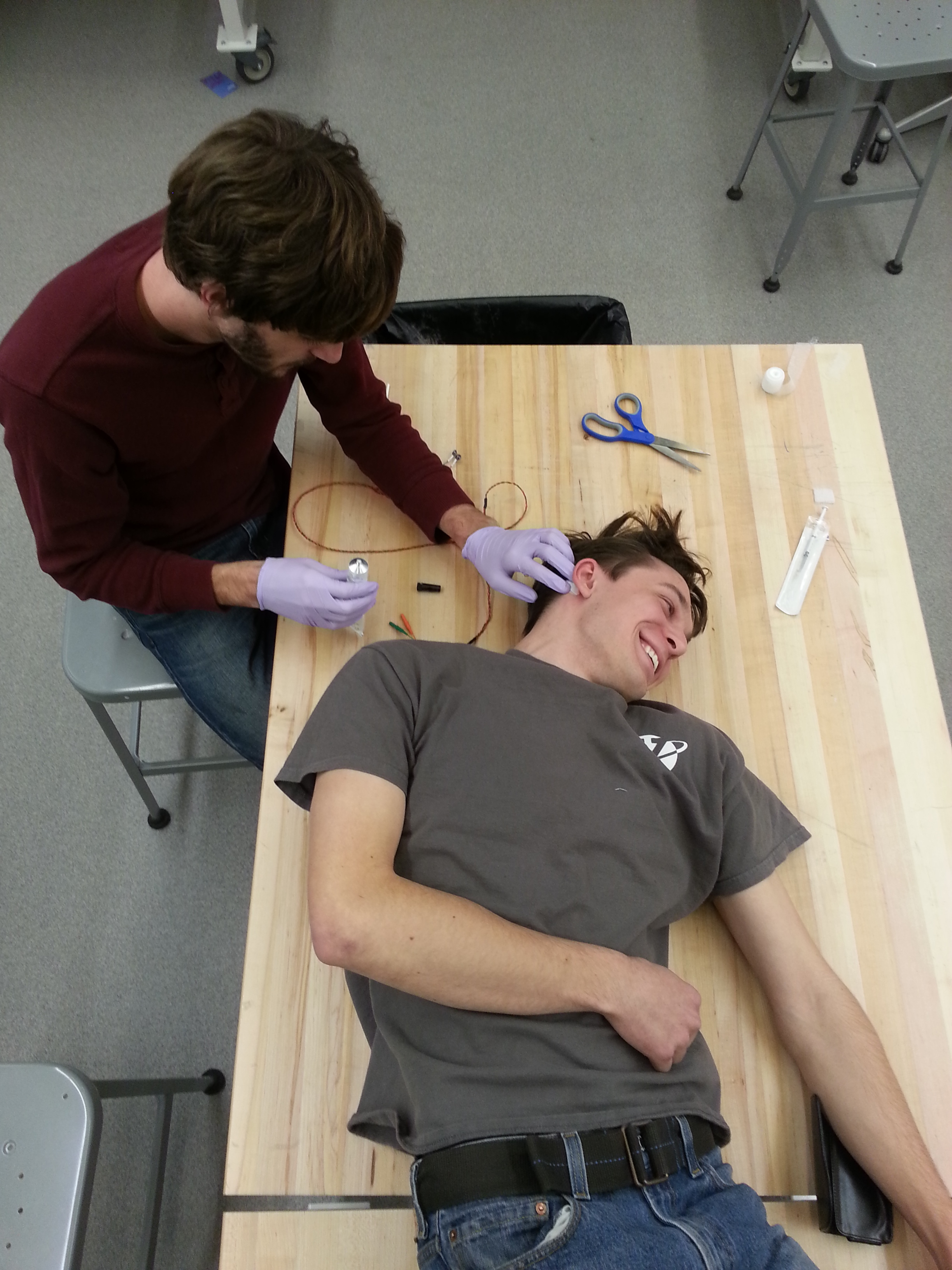 Applying an electrode with glue