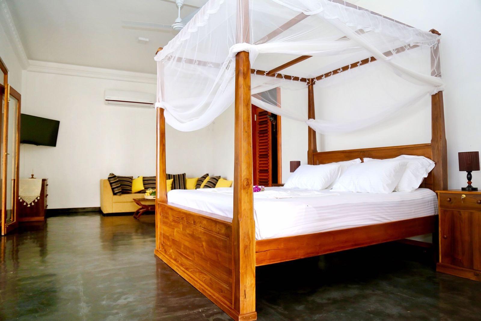 Master Room Juliyan soba.JPG