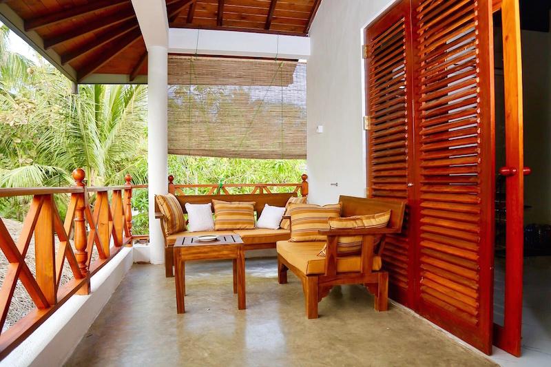 Beach Villa Lanka terace.jpg