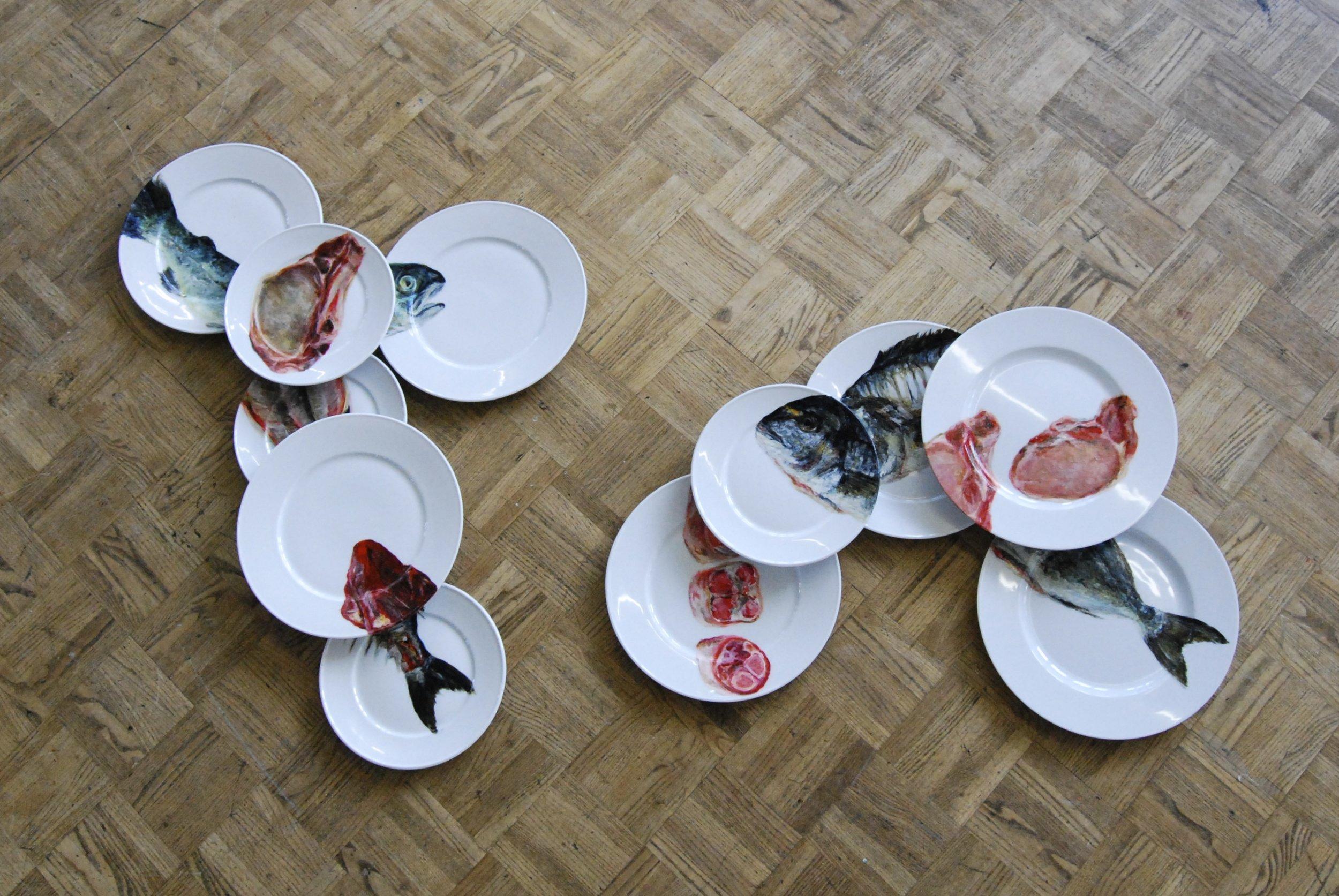 Auf dem Teller, Porzellanfarbe auf Teller, 2013