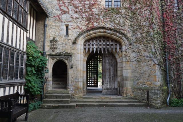 Hever Courtyard