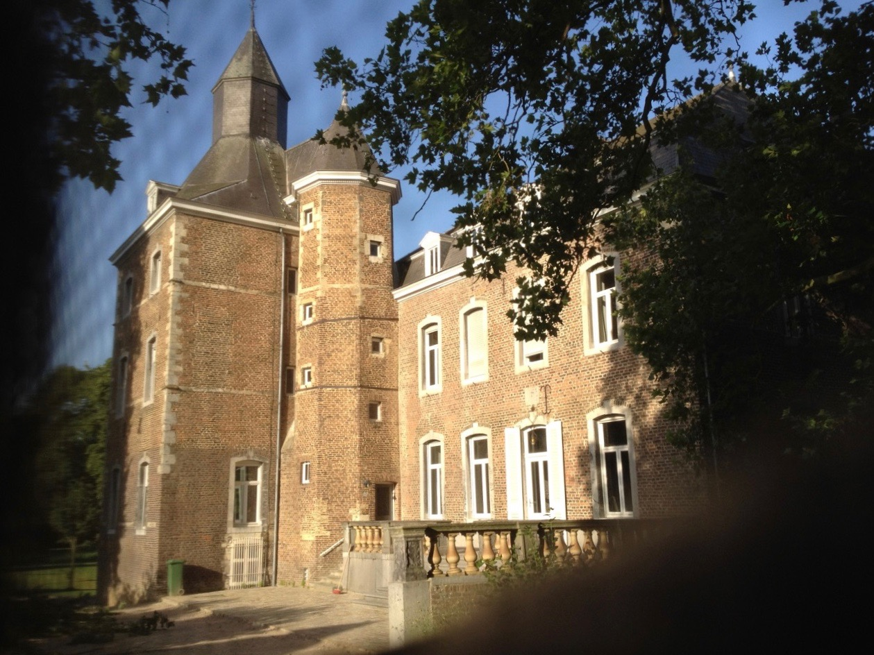Waking Up on the Roof at Kasteel Nijswiller