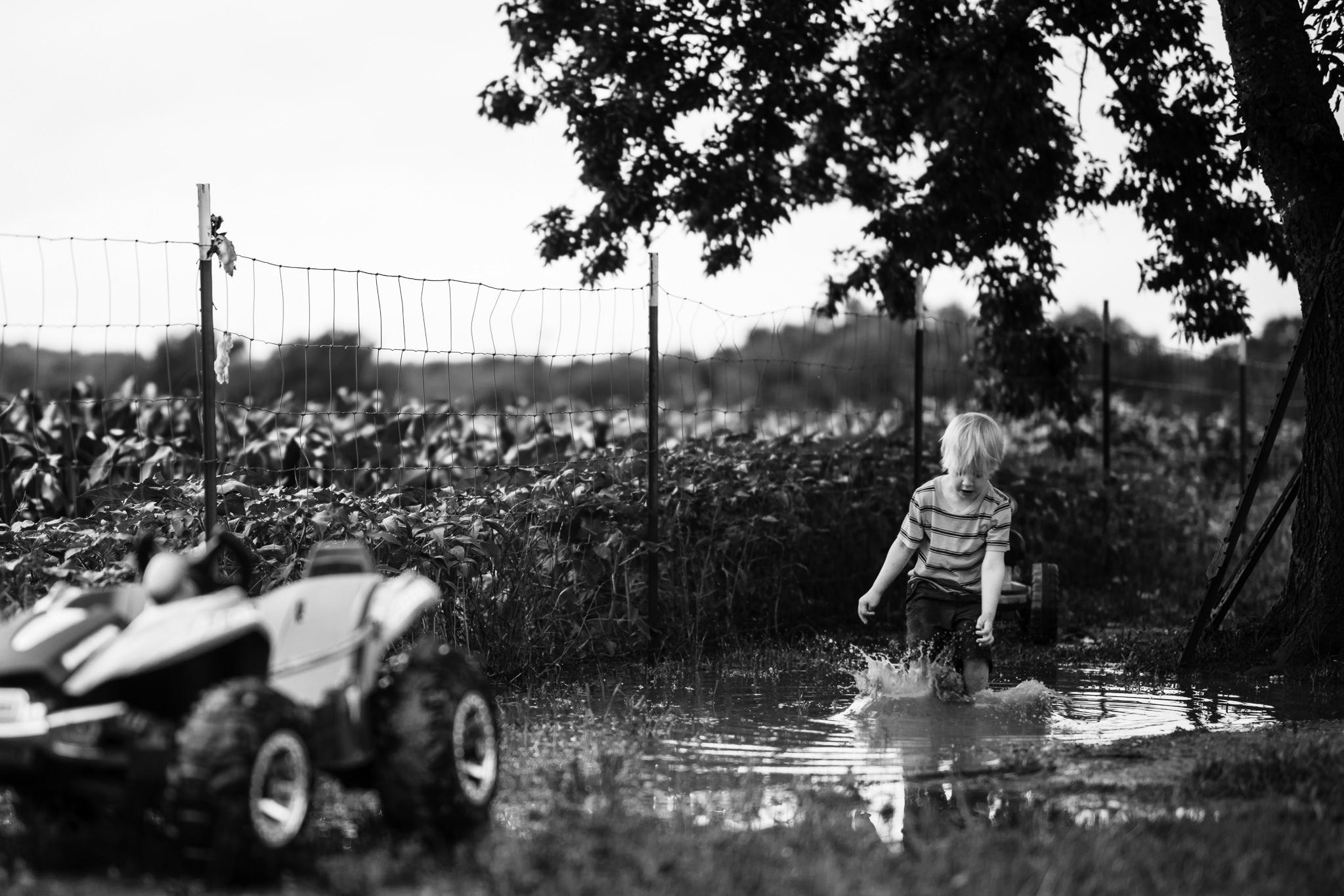 muddy-spring-day-rural-life-photography03.jpg