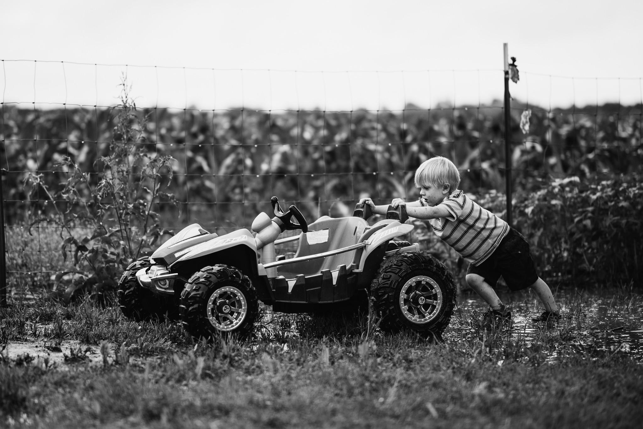 muddy-spring-day-rural-life-photography04.jpg