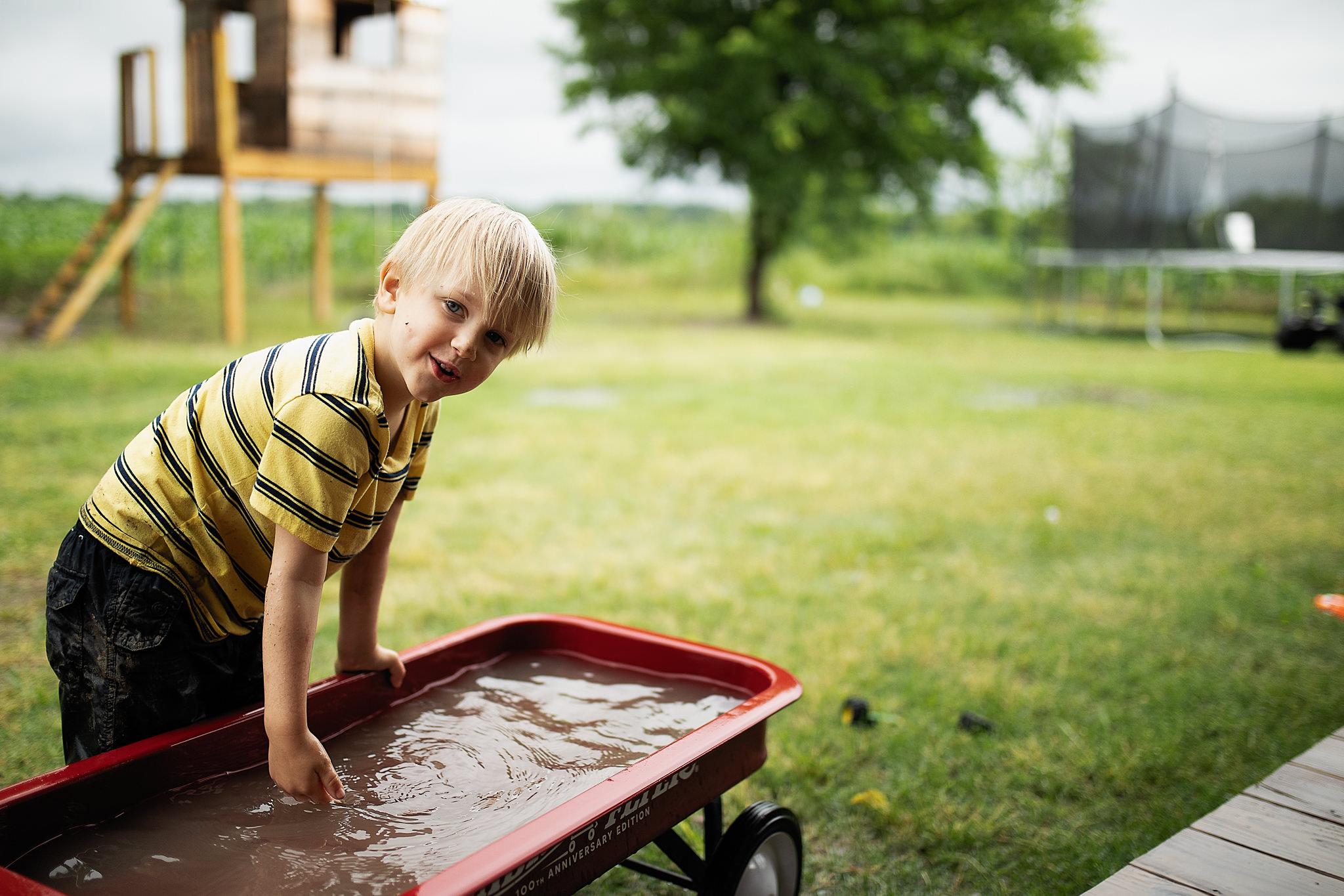 muddy-spring-day-rural-life-photography05.jpg