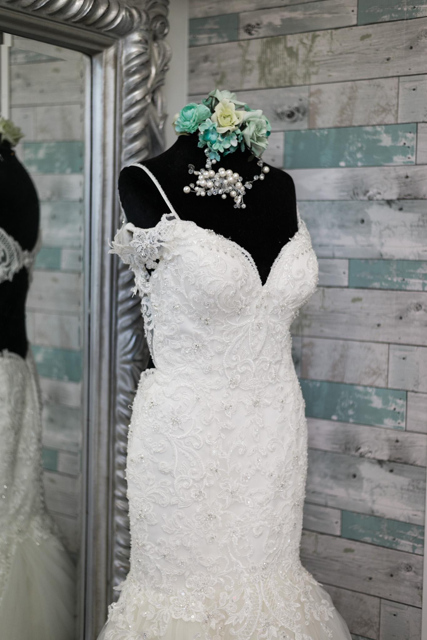 beaded-mermaid-trumpet-wedding-gown