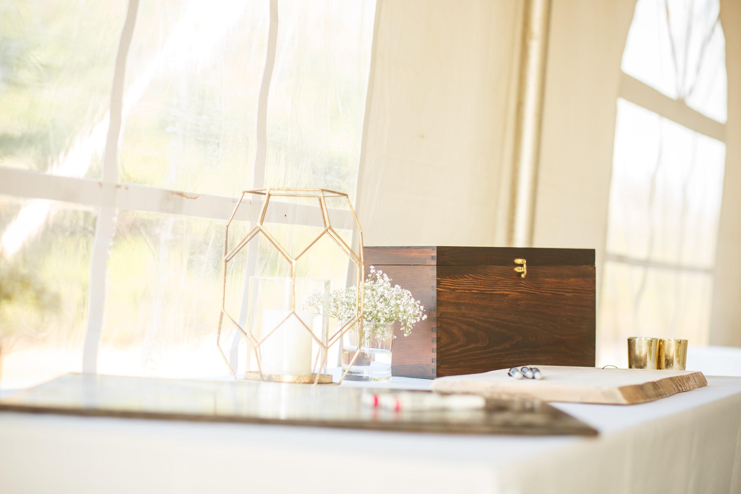 Dark wood stain card box  Photo by  Simon Reid Photography
