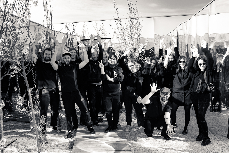 From left to right, all the participants in the workshop: Jan Nixon, Mathieu Durand, Alex Newman, Don Kasperaliteten, Maria Plazek, Phuc Van Dang, Katri KIRSE, Kate Antonas, Juanjo Keena, Rosanna Beatrice, Timi Juhasz and Mariana Gil