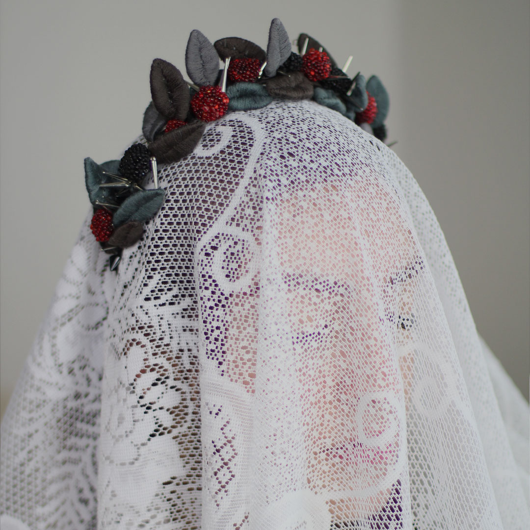 PORCELANITY — Hand embroidered and sculpted. Thread, glass and metal.