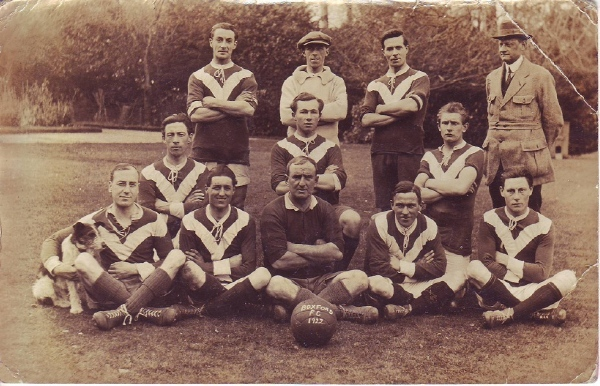 Postcard of the 1922 Boxford FC Mens Team.jpg