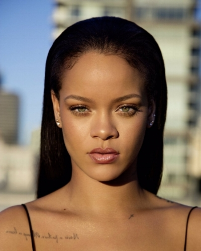 One of the best things about Fenty beauty is how naturally flawless it looks.  *Note: Rihanna IS naturally flawless, but her makeup helps, too.