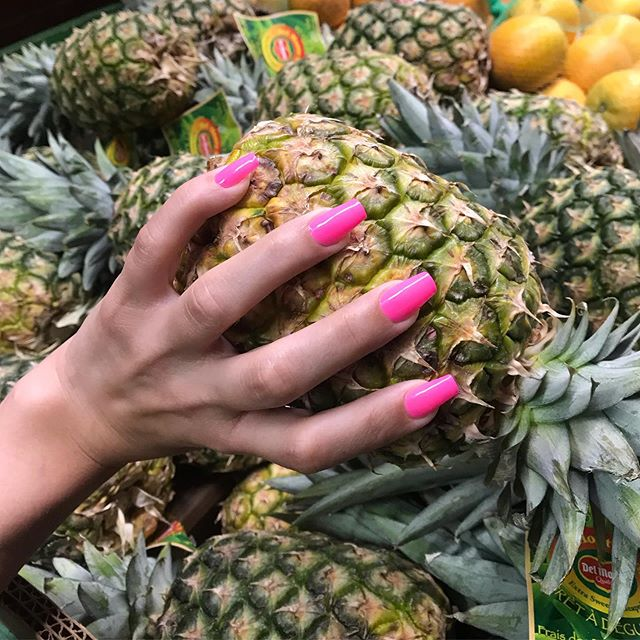 Grabbing summer by the balls 🍍😋 nails on @catdookie by @finesseyourclaws