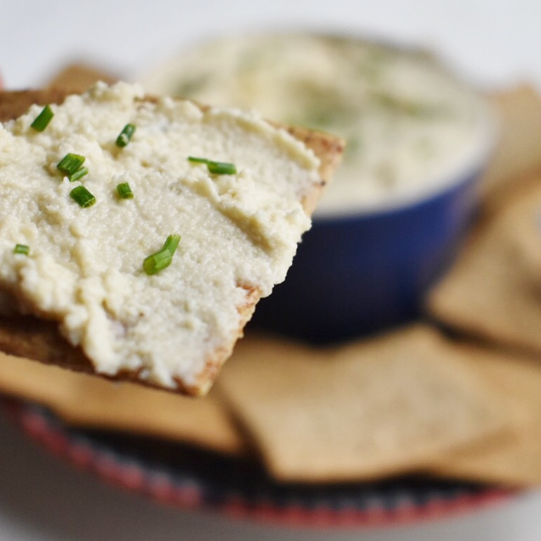 vegan spreadable cashew and chive cream cheese recipe easy quick healthy plant based