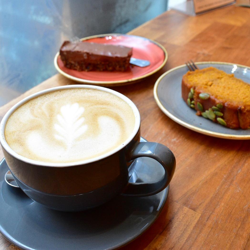 vegan and vegetarian restaurant bath vegan restaurants bath cascara cafe cafes vegan cake