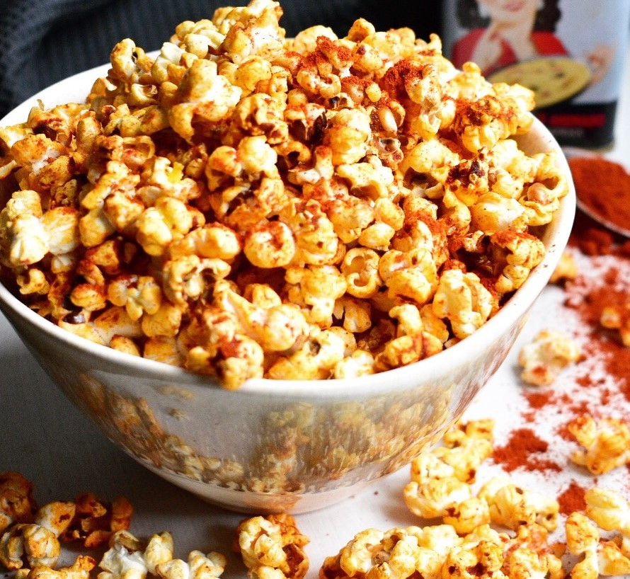 easy homemade smoky popcorn recipe vegan