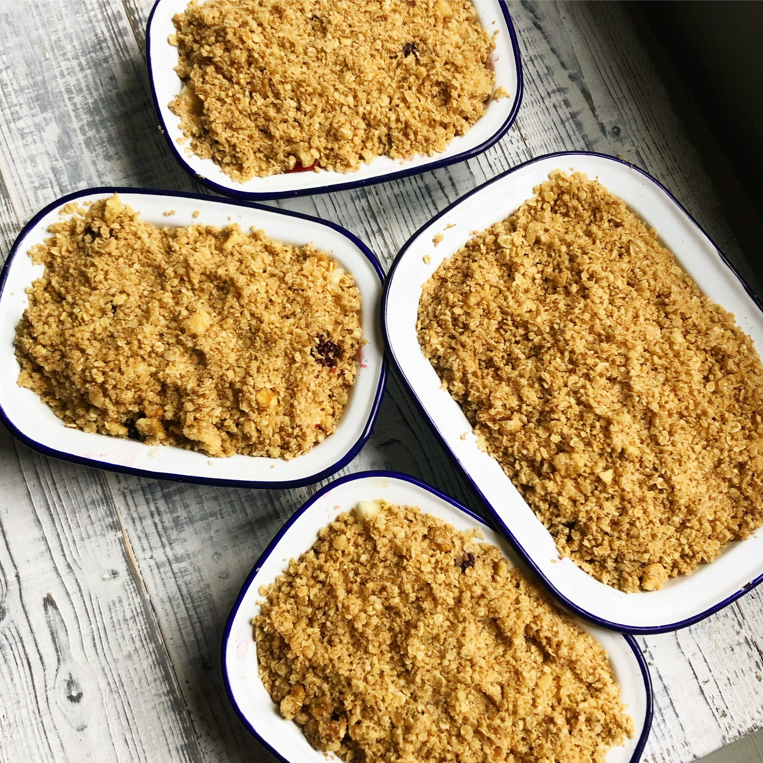 simple quick and easy vegan apple crumble recipe healthy