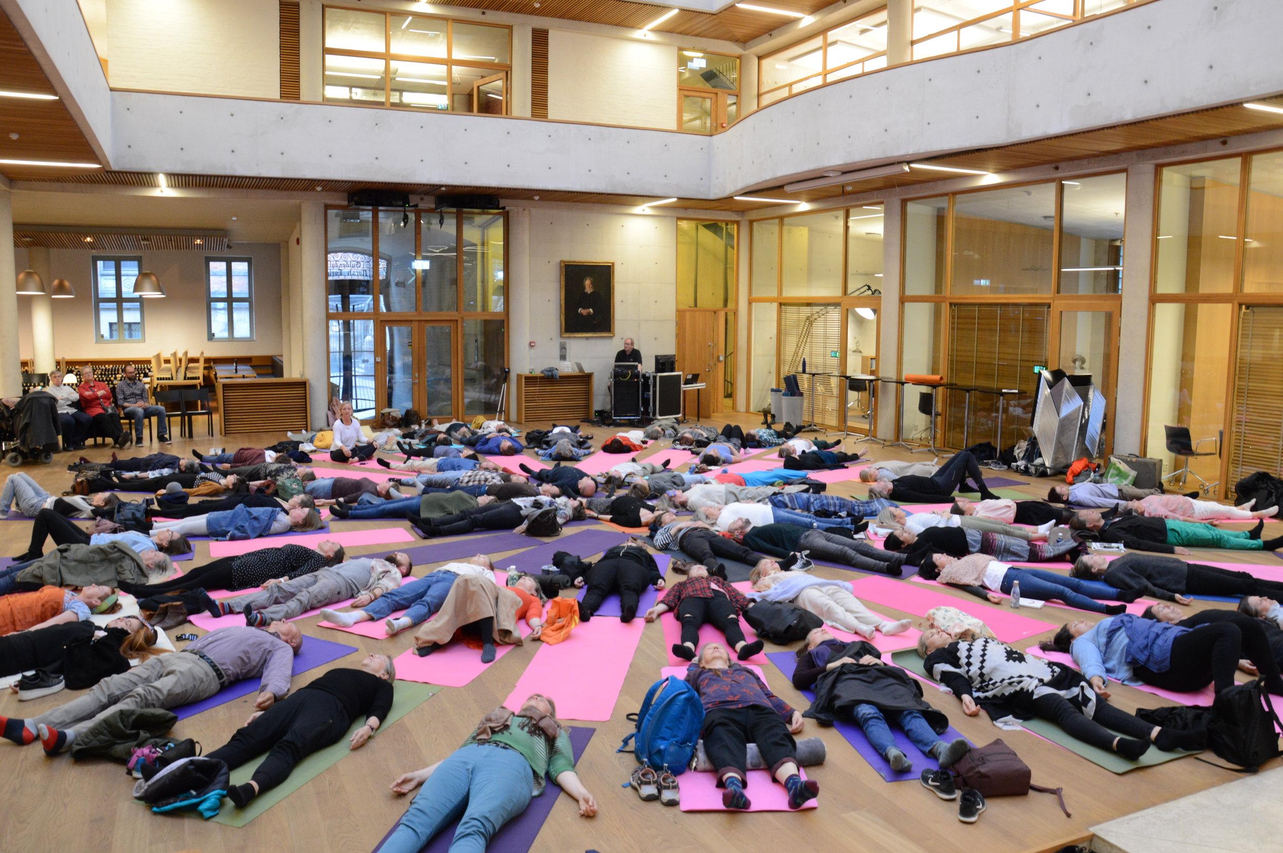 Felles-hvile på Gyldendalshuset.