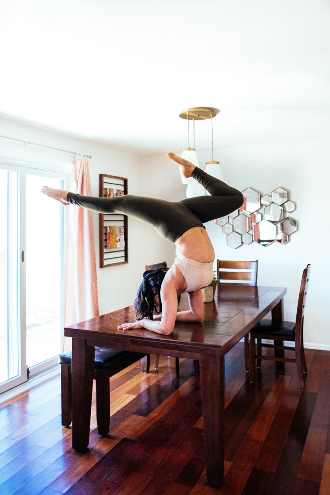 yogashoot-homesession-amylacyphotography-denver-14.jpg