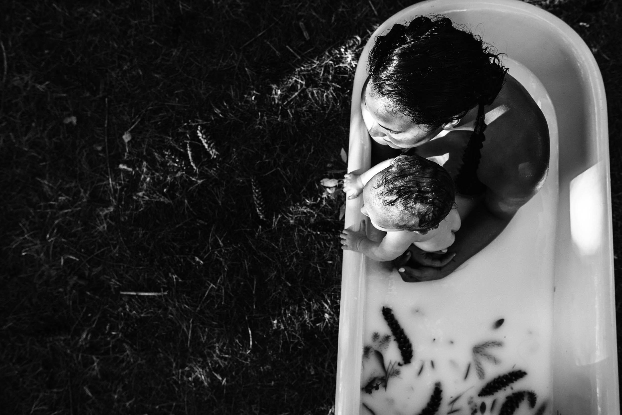 minneapolis breastfeeding milk bath photography