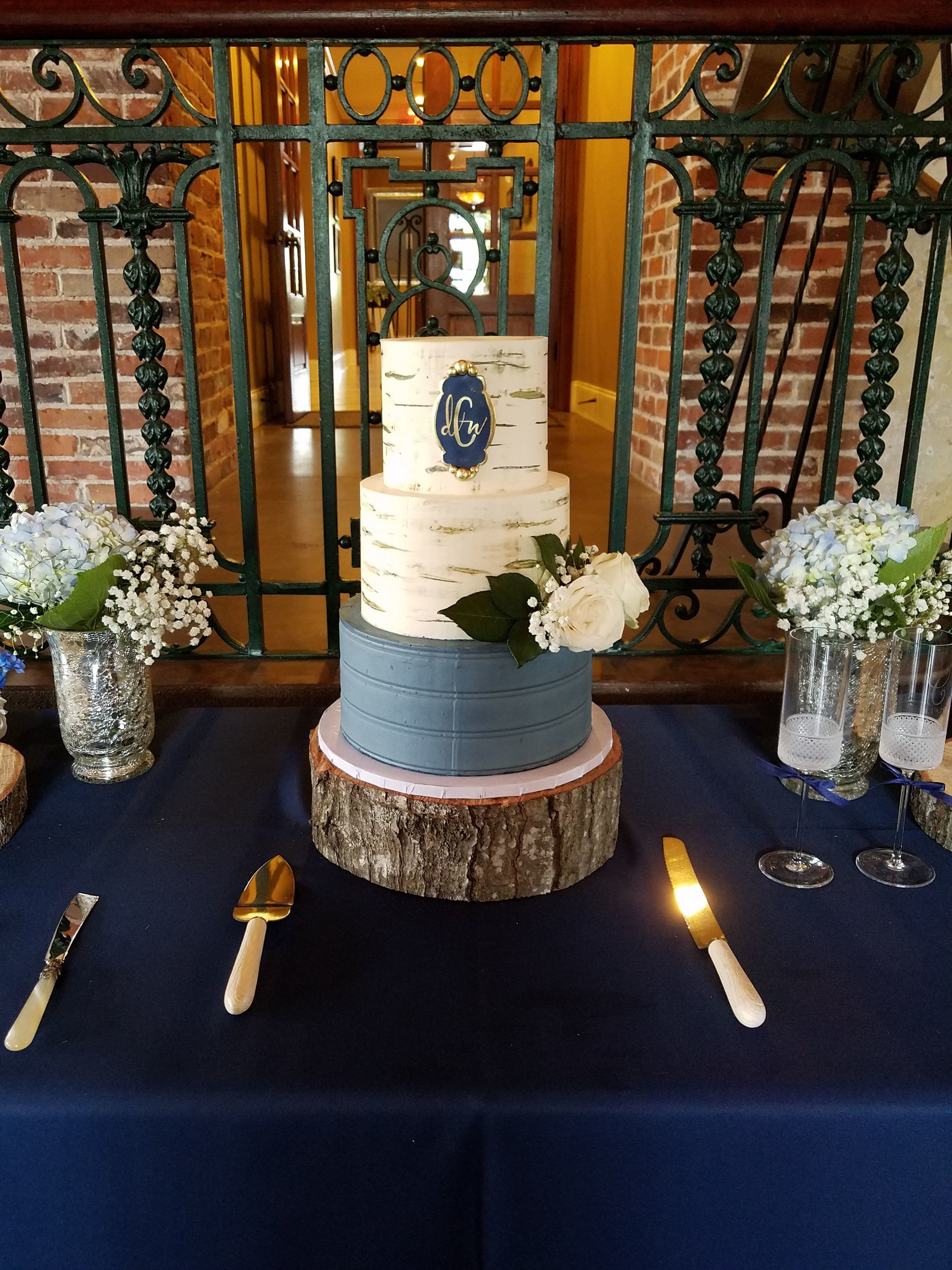 Chambers Wedding Cake 4:19.jpg