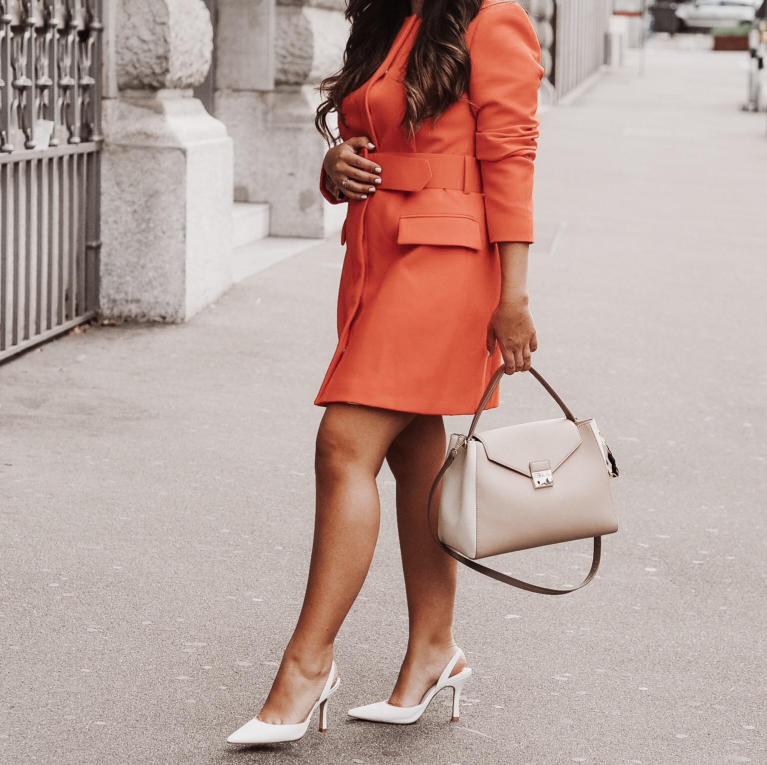 Beige bag - orange dress - white heels.JPG