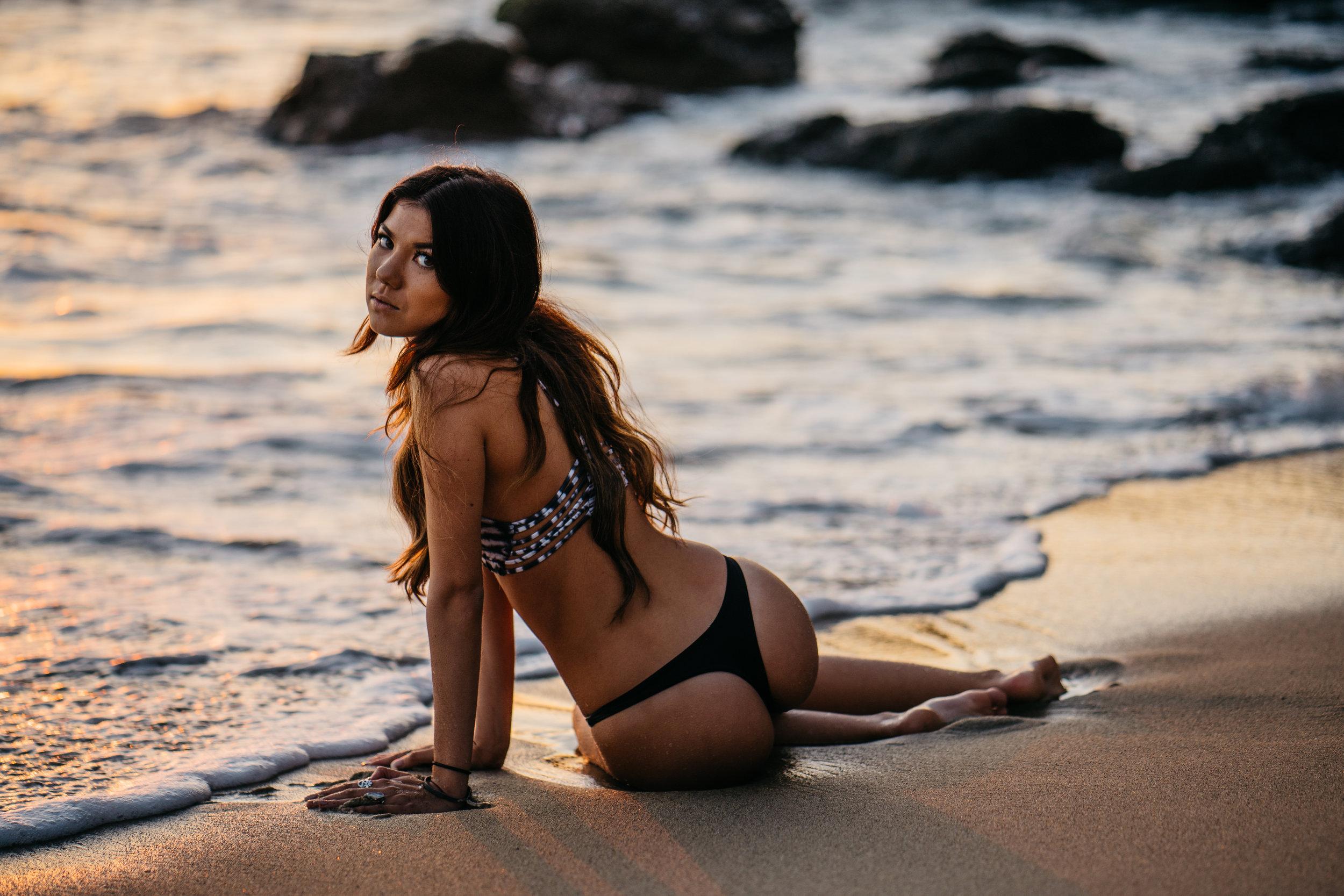 @victoriabbush | @rivibikinis  1000 steps Beach - Laguna Beach, CALIFORNIA