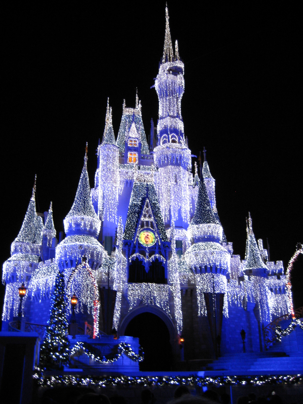 Cinderella's Castle at Christmas!