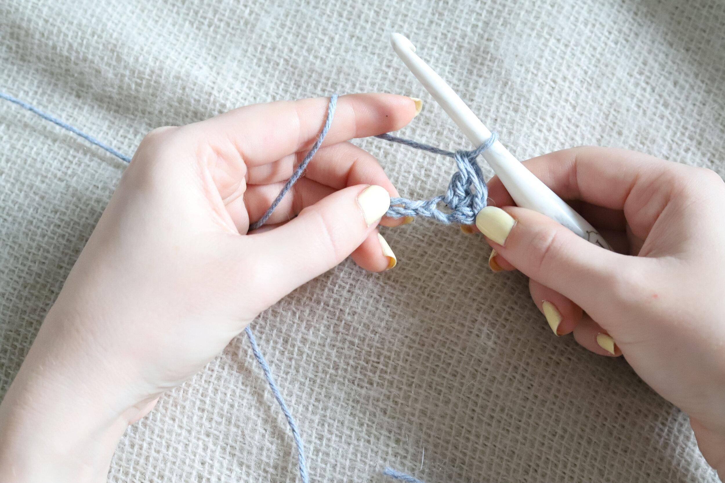 Suzette Stitch Crochet Tutorial Step 2c