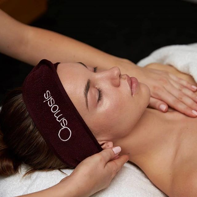 Hello November 🎆  We have a delicious November Osmosis Facial Special on offer for you! 💆♀️ Book an Osmosis Facial for the month of November & make your treatment more indulgent with a complimentary add on! Choose either: * A 15 minute Hot Oil Scalp Masssage  OR * A 15 minute Back & Shoulder Massage.. Absolutely FREE 🎁 OR  If your short on time but would love to give your skin an amazing custom-fit Osmosis Facial you'll only pay $89!! Saving over $30.  Osmosis holistic facials offer a specialised experience with every step customized to you. Our clinic only treatments offer results without compromise. Always clean, never damaging, professional skincare is clinically & scientifically validated to transform your skin.  Your skin will love you for it 🥰 Book online www.beautea.co.nz or give us a call (06)7588293  #beautynewplymouth #beautea #osmosisskincarenz #faciallove #moistureboost #bespoke #skinhealth #skincare #glow