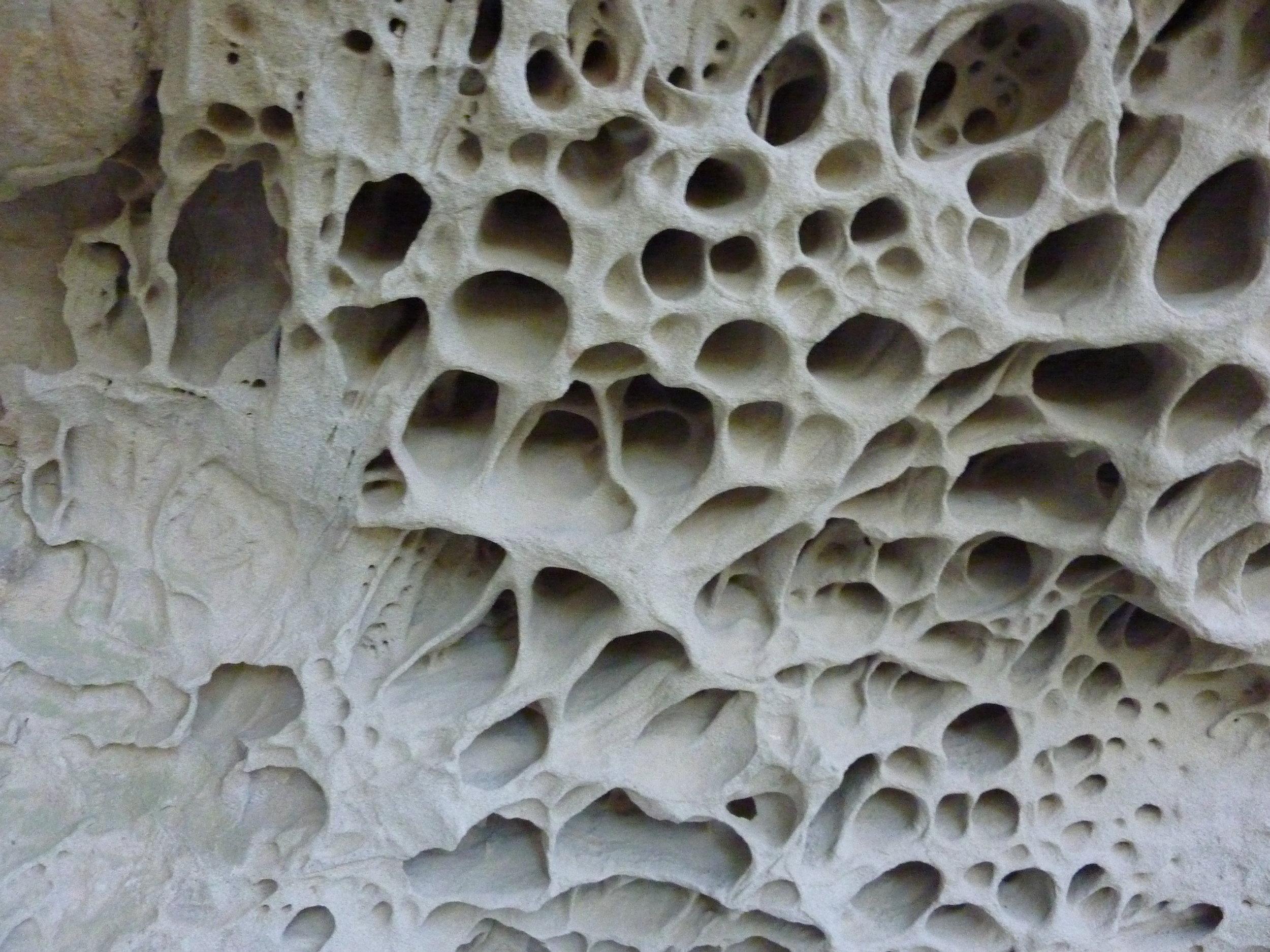 Tafoni rock formations