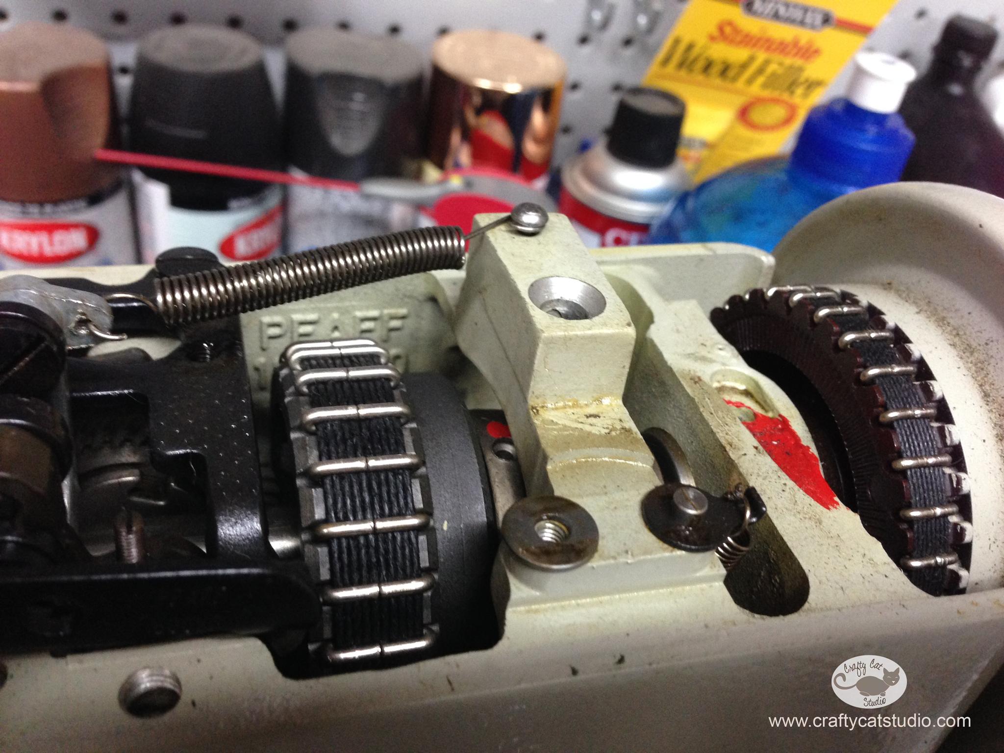 pfaff_closeup_belts.jpg